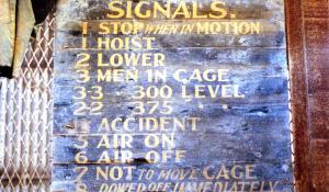 Signal sign