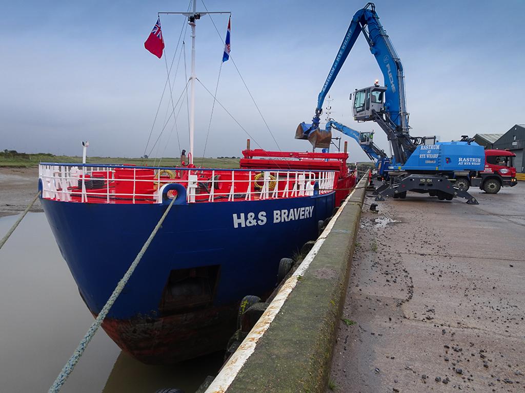 Ship unloading in Scotland