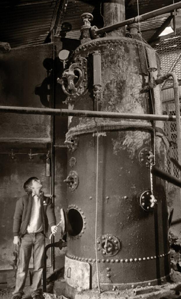 Vertical Boiler at Shaft Top Long Rake Spar